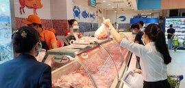 TPHCM: Xuất hiện việc gom hàng giá rẻ trong siêu thị ra ngoài bán kiếm lời