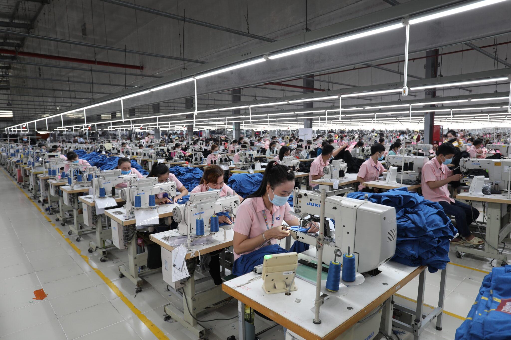 Doanh nghiệp TPHCM tạm dừng hoạt động, hy sinh doanh thu để chống dịch