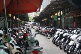 Nhiều cửa hàng xe máy tại Hà Nội khách