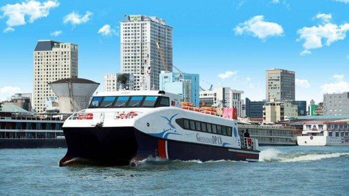 Sử dụng tàu thủy cao tốc vận chuyển hàng hóa thiết yếu tới