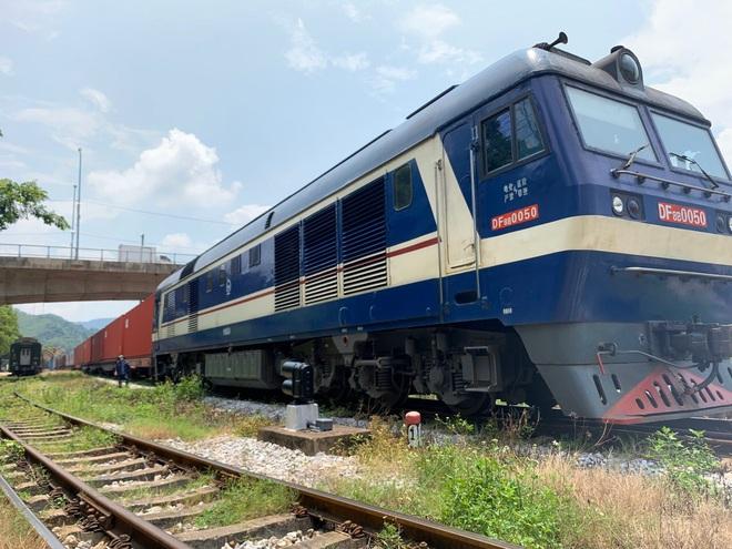 Lần đầu tiên tàu hỏa container Việt Nam chở hàng chạy thẳng sang châu Âu - 1