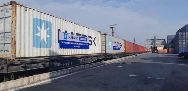 Lần đầu tiên tàu hỏa container Việt Nam chở hàng chạy thẳng sang châu Âu - 2