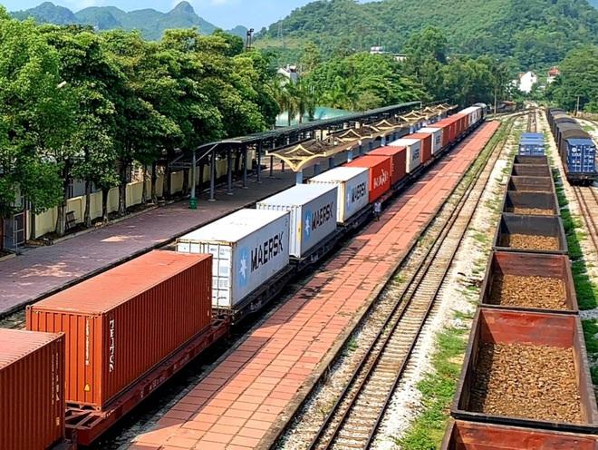 Lần đầu tiên tàu hỏa container Việt Nam chở hàng chạy thẳng sang châu Âu - 3