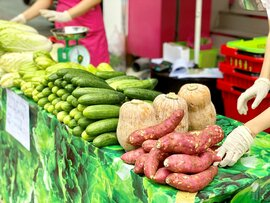 TPHCM: Rau củ giá bình ổn 20.000 đồng/kg, trứng 25.000 đồng/vỉ