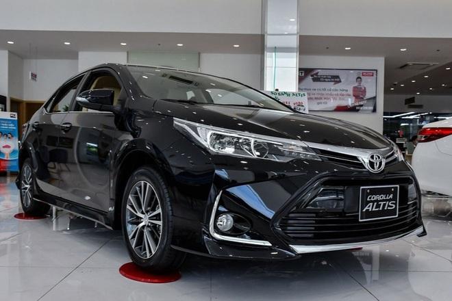 Corolla Altis được đại lý khuyến mại 70 triệu đồng, sẵn sàng chờ bản mới - 1
