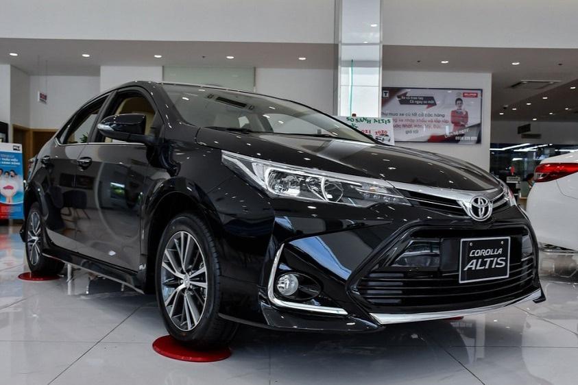 Corolla Altis được đại lý khuyến mại 70 triệu đồng, sẵn sàng chờ bản mới