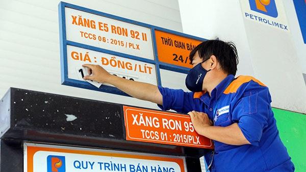 Giá xăng dầu trong nước liệu có quay đầu giảm vào ngày mai?