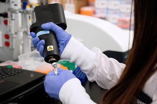 Nhật Bản thử nghiệm thuốc Covid-19 có thể diệt virus trong 5 ngày - 1