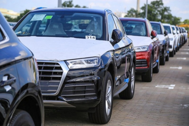 Lượng ô tô nhập tăng hơn 100%, giá xe cuối năm tiếp tục giảm