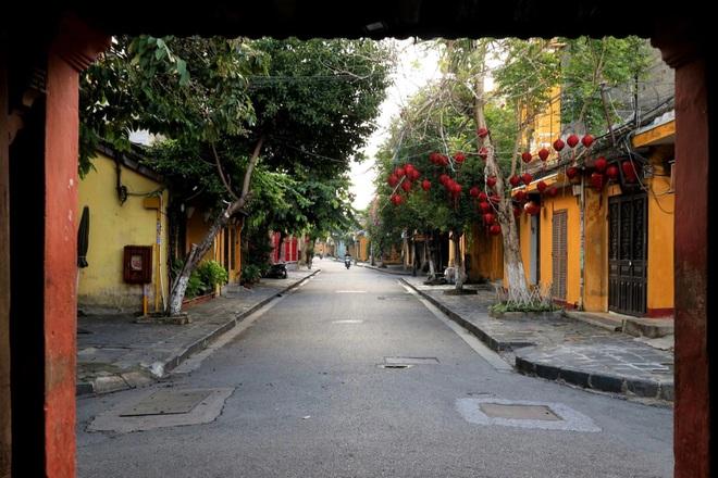 Hội An cửa đóng then cài, chủ nhà hàng, khách sạn lao đao vì Covid-19 - 2