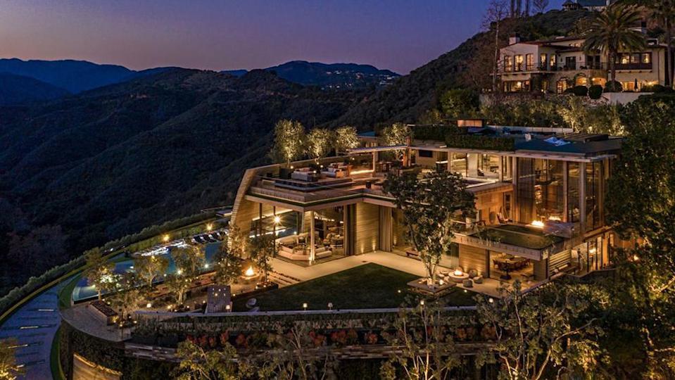 Tỷ phú tiền ảo bí ẩn chi 83 triệu USD mua dinh thự xa hoa bên mỏm đồi