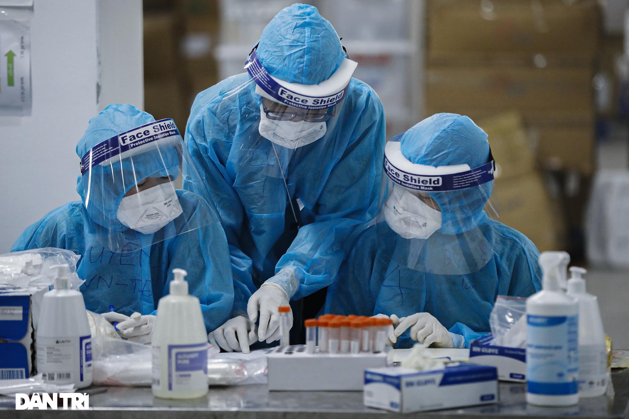 Chính phủ duyệt thêm 5.100 tỷ đồng mua thuốc, vật tư phòng chống Covid-19