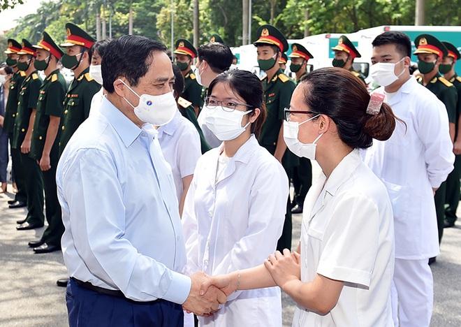 Thủ tướng gửi thư động viên lực lượng tuyến đầu hơn 500 ngày chống dịch - 1