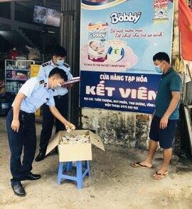 Tạm giữ lô bánh Trung thu nhập lậu từ Trung Quốc