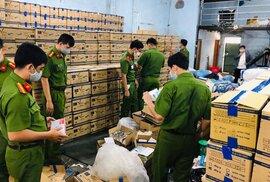 Siết chặt cấp phép sản xuất, xuất - nhập khẩu trang thiết bị phòng dịch