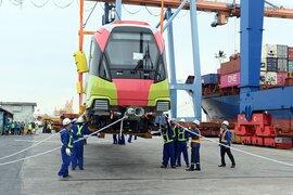 Đoàn tàu cuối cùng dự án đường sắt Nhổn - ga Hà Nội về Việt Nam vào ngày 14/9
