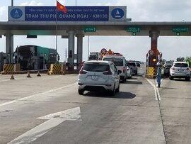 Hai trạm thu phí trên tuyến cao tốc Đà Nẵng - Quảng Ngãi hoạt động trở lại sau 14 ngày tạm dừng
