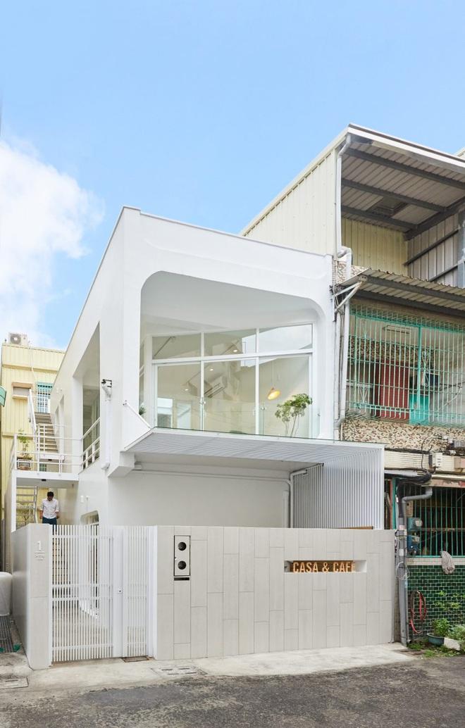 Nội thất đẹp của căn nhà 36 m2 bên ngoài hoài cổ, bên trong hiện đại - 1