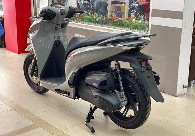 Honda SH 350i chênh tới 50 triệu đồng tại đại lý, giá tăng từng ngày - 1