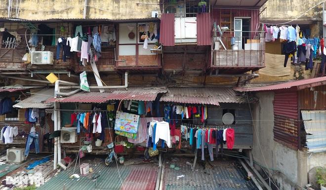 Hà Nội kiểm định hàng trăm chung cư cũ, có 8 nơi phải phá dỡ vì nguy hiểm - 1
