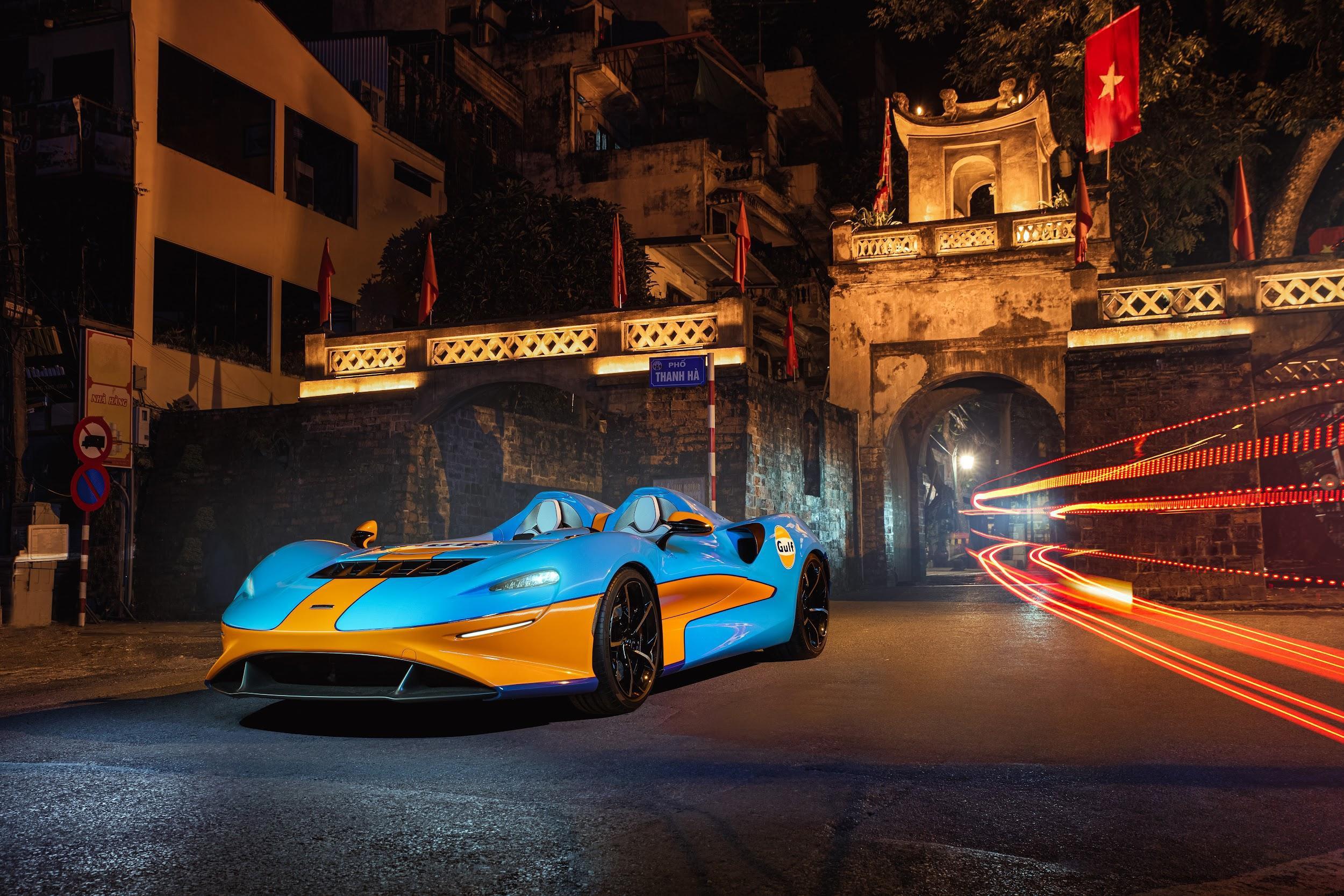 Xe McLaren Elva - hàng hiếm triệu USD xuất hiện trên đường phố Hà Nội