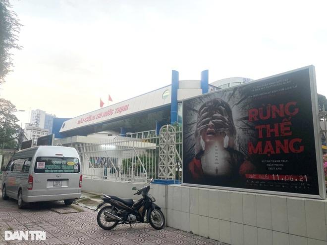 Rạp chiếu phim ở TPHCM kiệt sức sau 7 tháng bất động - 2
