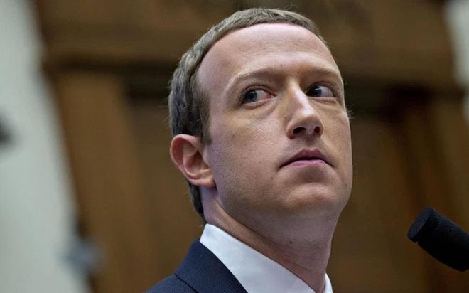 Mark Zuckerberg phủ nhận mọi cáo buộc nhằm vào Facebook.