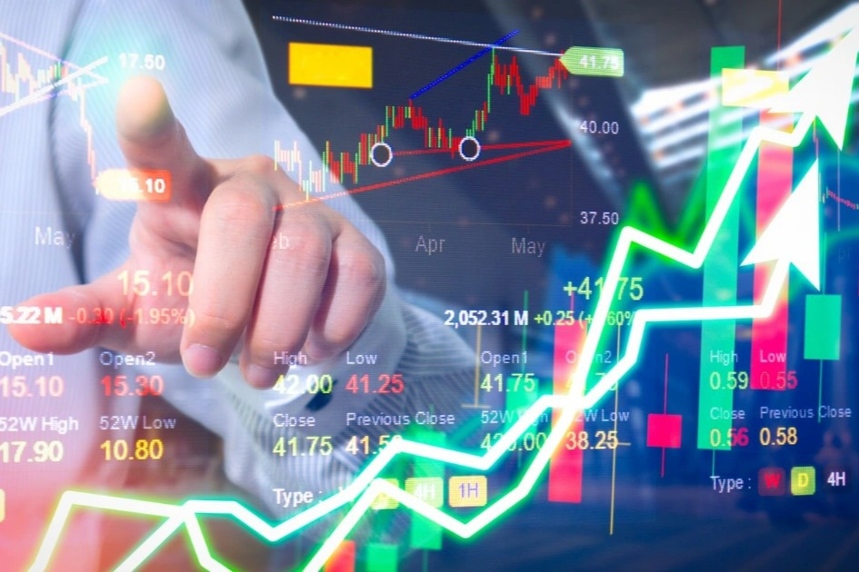Chứng khoán tuần mới: Mua - bán cổ phiếu nào khi VN-Index
