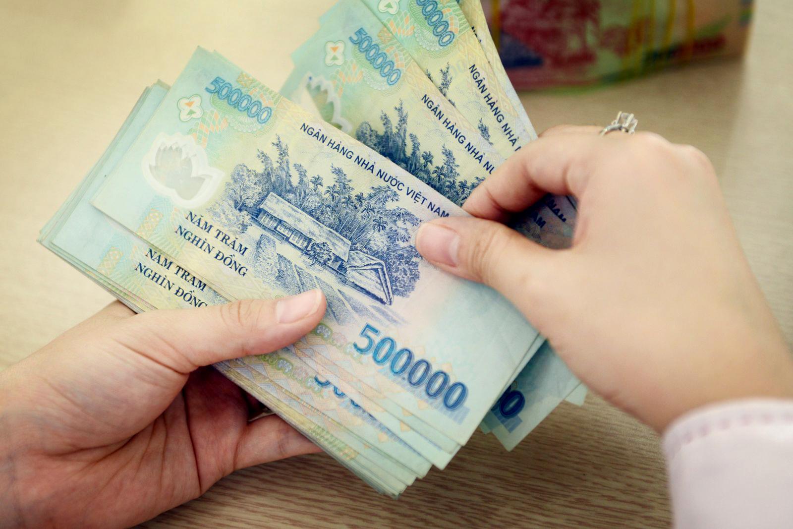 Mức lương kỷ lục người Việt nhận được trong quý 2 đạt 300 triệu đồng/tháng