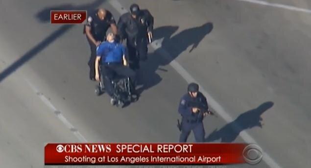 Nổ súng tại sân bay Los Angeles, 8 người thương vong