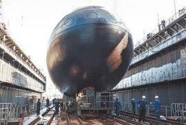 Tàu ngầm HQ 182 Hà Nội và những dấu mốc đáng nhớ