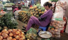 """Phiên chợ """"ngủ gật"""" ở Hà Nội"""