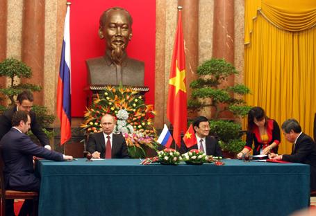 Việt Nam - Nga tăng cường quan hệ đối tác chiến lược toàn diện