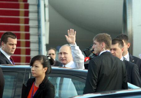 Những hình ảnh đầu tiên của Tổng thống Nga Putin tại Việt Nam