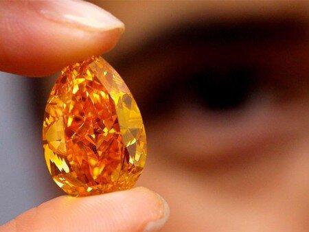 Viên kim cương màu cam lớn nhất thế giới có giá 36 triệu USD