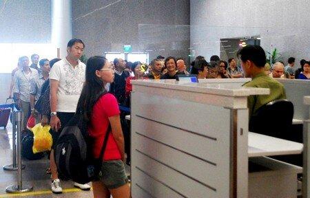Phát hiện 13 khách giả trên một chuyến bay Vietnam Airlines