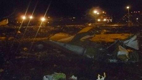 Chùm ảnh: Máy bay rơi tại Nga vỡ vụn tại hiện trường