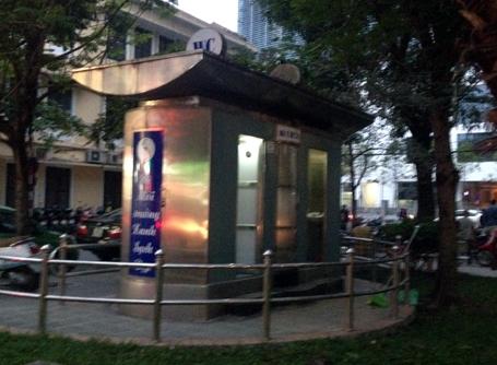 Hà Nội nói gì về việc xây 14 nhà vệ sinh tiền tỷ?