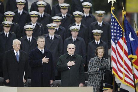 Người Mỹ đội mưa tưởng niệm 50 năm Kennedy bị ám sát
