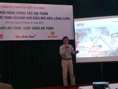 Hà Nội tăng cường kiểm tra các cửa hàng gas
