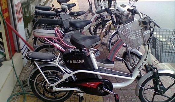 Xe đạp điện nhập lậu: Dân thích nên khó quản