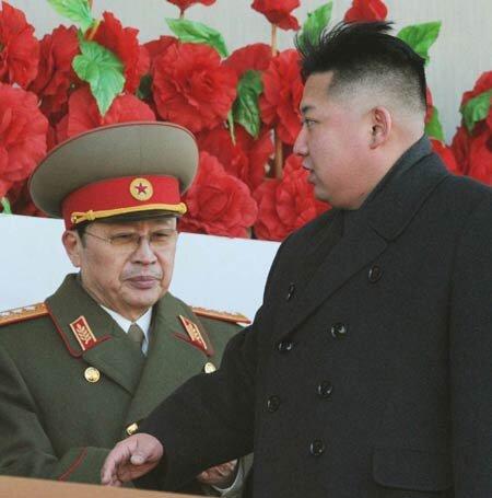 Chú của ông Kim Jong-un bị sa thải: Tình báo Hàn Quốc suy diễn?