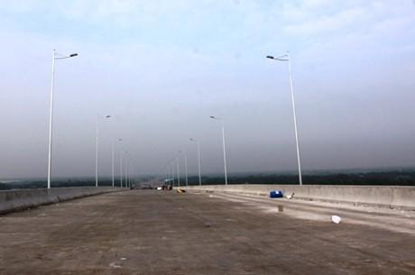 Chuẩn bị khai thác tạm thời tuyến cao tốc TPHCM - Dầu Giây