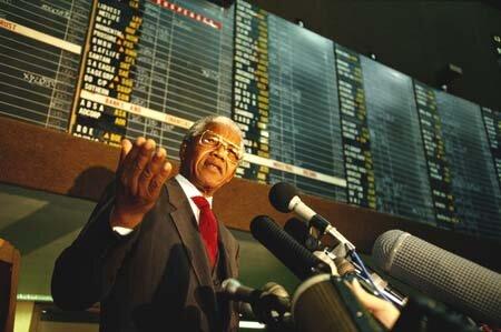 """Cố Tổng thống Mandela và sự """"lột xác"""" của kinh tế Nam Phi"""