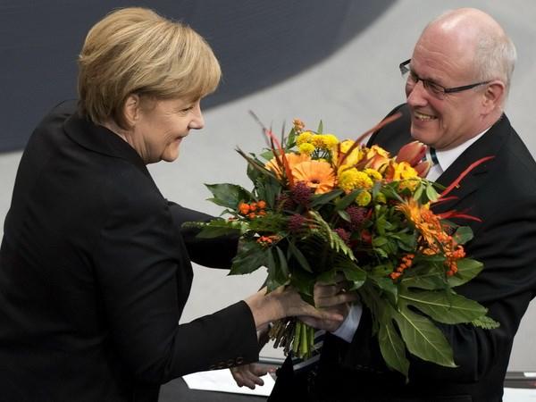 Quốc hội Đức tái bầu bà Angela Merkel làm thủ tướng