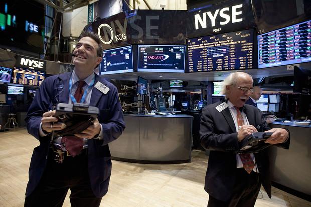 Chứng khoán Mỹ lập kỷ lục sau quyết định của Fed