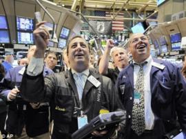 Thị trường khởi sắc do GDP Mỹ tăng vượt kỳ vọng