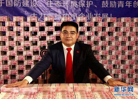 Triệu phú Chen Guangbiao.