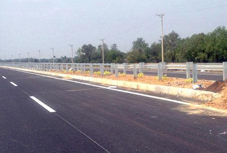 Phó Thủ tướng yêu cầu rà soát cao tốc bị rút ruột TPHCM-Long Thành-Dầu Giây