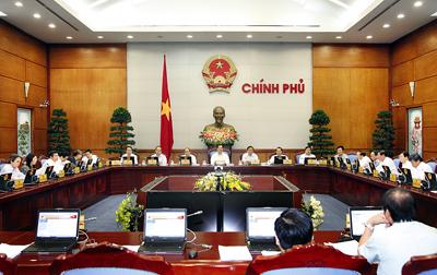 Chính phủ tự kiểm điểm về điều hành 2013